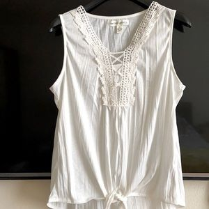 HIGH-LOW WHITE TIE-FRONT SLEEVELESS TOP